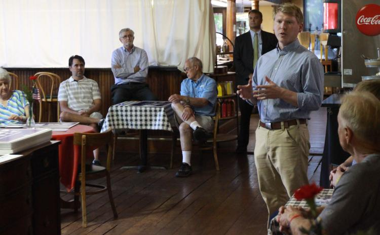 Matt Gurtler (right) talked with Elbert County Republicans Thursday at McIntosh Coffee Shoppe. (Photo by Scoggins)